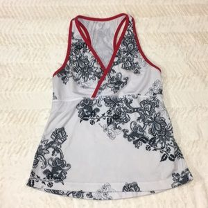 Lululemon Tank with built in bra Size Small